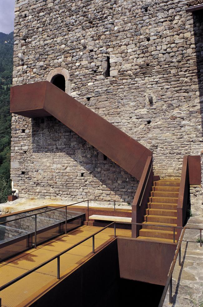 Реконструкция замка Тироль в Мерино. Фото: Klaus Ausserhofer