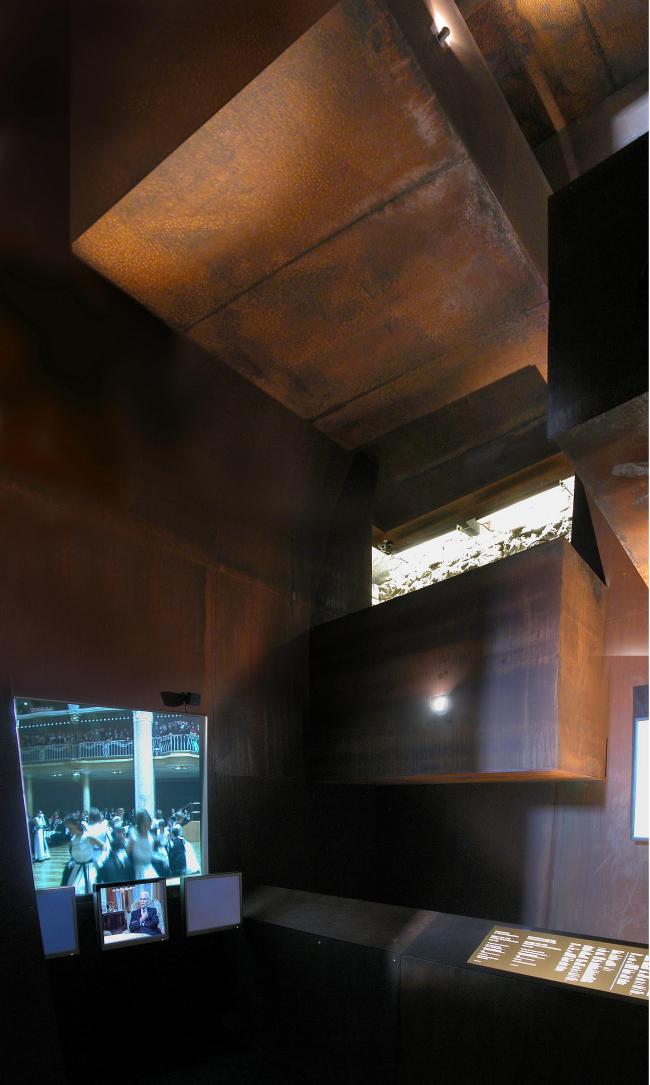 Реконструкция замка Тироль в Мерино. Экспозиция об истории Южного Тироля в XX веке. Фото: Stefan Brüning