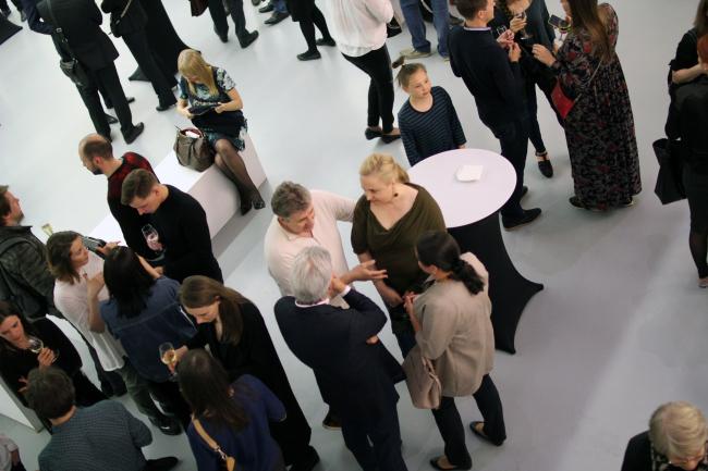 """Гости на открытии выставки """"Проект SPEECH"""". Фотография © Юлия Тарабарина, Архи.ру"""