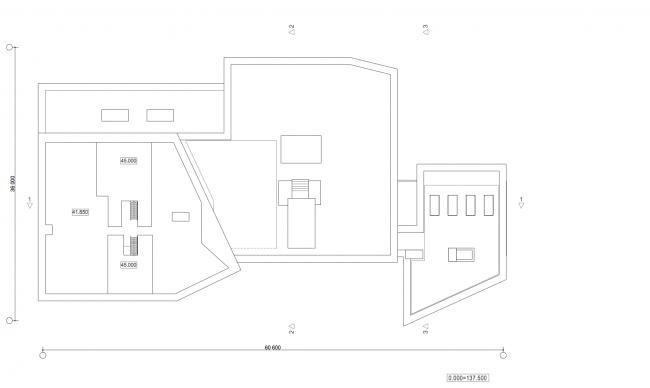 Жилой дом с подземной автостоянкой на ул. Бурденко. План кровли © Сергей Скуратов ARCHITECTS