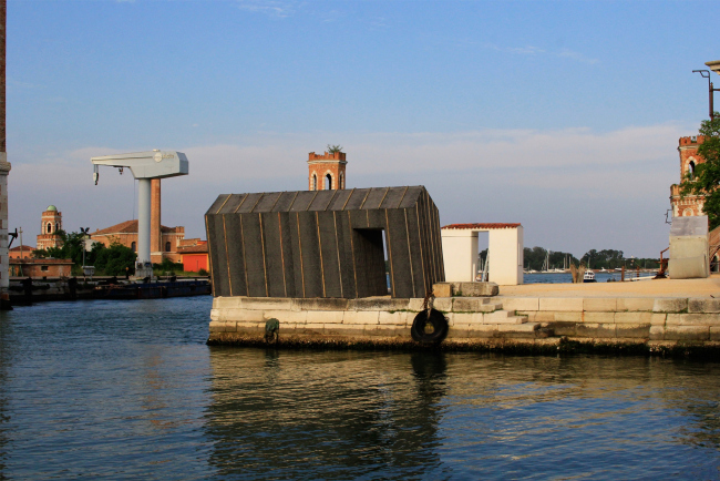 Александр Бродский, инсталляция для венецианской биеннале архитектуры. Фотография © Юлия Тарабарина, Архи.ру