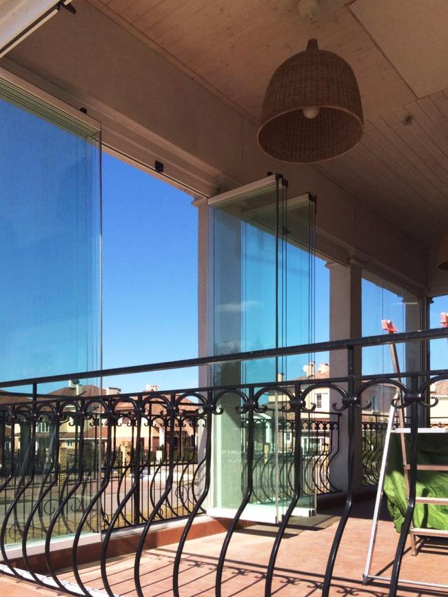 Частный коттедж в посёлке Гринвич. Фотография предоставлена Студией Архитектуры Подвижного Стекла ЮБК