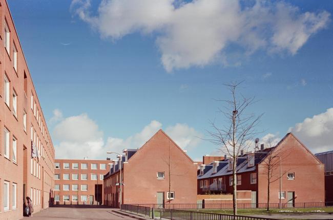 Жилой комплекс Схильдерсвейк Алваро Сизы в Гааге © Alessandra Chemollo