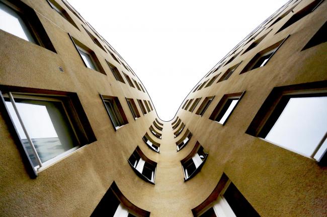 Жилой комплекс Шлезишес-тор (Bonjour tristesse) Алваро Сизы в Берлине © Nicolò Galeazzi