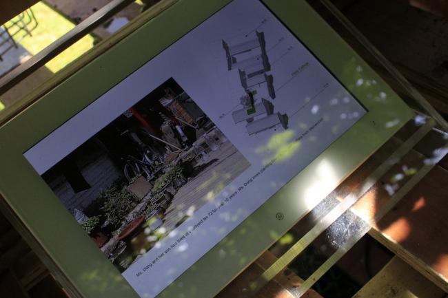 Экспозиция павильона Китая на биеннале в Венеции, 2016: где располагаются китайские сады, показано на плашетах. Фотография © Юлия Тарабарина, Архи.ру