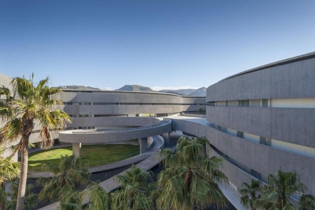Факультет изящных искусств университета Ла-Лагуна © Jose Oller