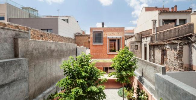Дом 1014, Гранольерс, Испания.  Harquitectes © Adria Goula