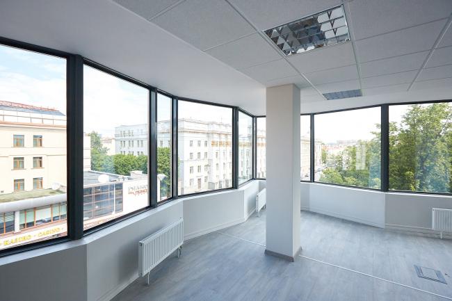 Бизнес-центр «Kiroff». Реализация, 2014 © Белзарубежстрой