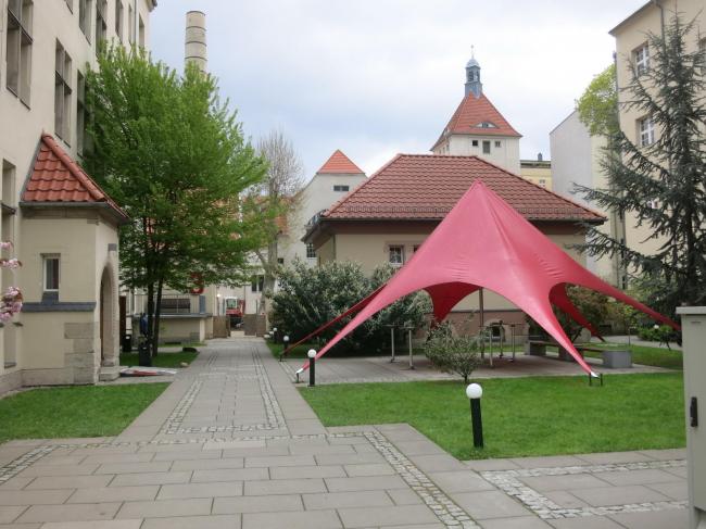 Hotel Oderberger. Вид на школьный кампус © Tarja Nurmi