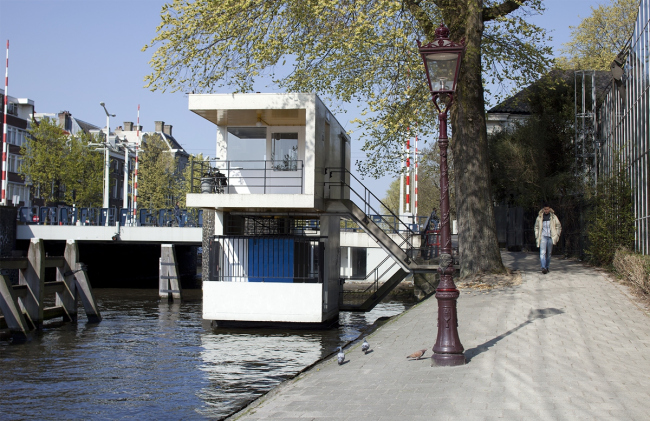 Проект SWEETS, мини-гостиницы из домиков смотрителей мостов в Амстердаме © space&matter