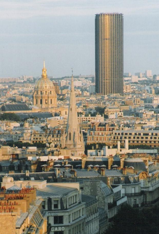 Вид на башню Монпарнас, Париж. Автор фотографии Steven Strehl. Лицензия CC BY-SA 3.0