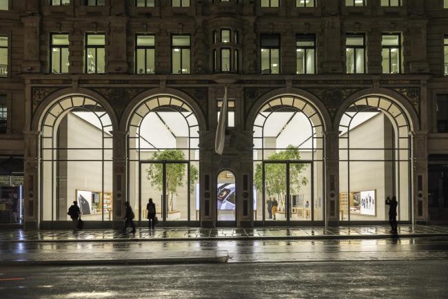 Магазин Apple на Риджент-стрит © Nigel Young / Foster + Partners