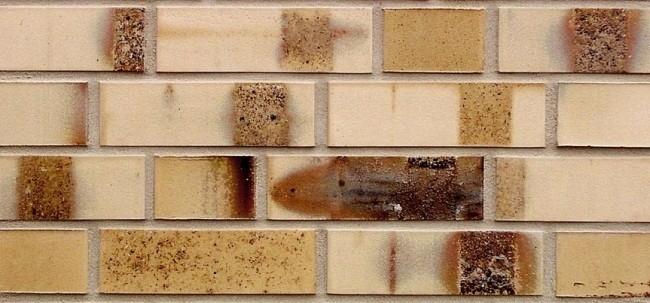 Клинкерный кирпич  Hagemeister светло-медового оттенка Meissen. Фотография предоставлена компанией «Кирилл»