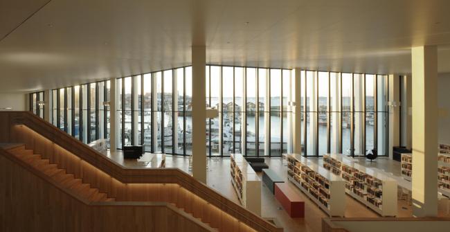 Концертный зал и библиотека Stormen в Будё © David Grandorge