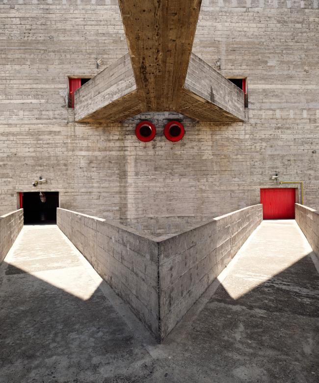 Категория «Внешний вид». Автор: Inigo Bujedo Aguirre. Культурный центр SESC Pompeia (Сан-Паулу, Бразилия). Архитектор: Лина Бо Барди