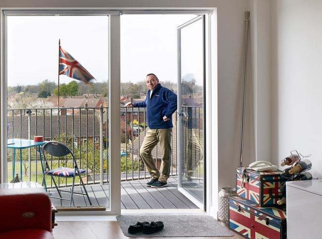 Категория «Интерьер». Автор: Kilian O'Sullivan. Интерьер и портрет жителя Derry Road в День рождения Королевы. Архитектурное бюро: Bell Phillips Architects