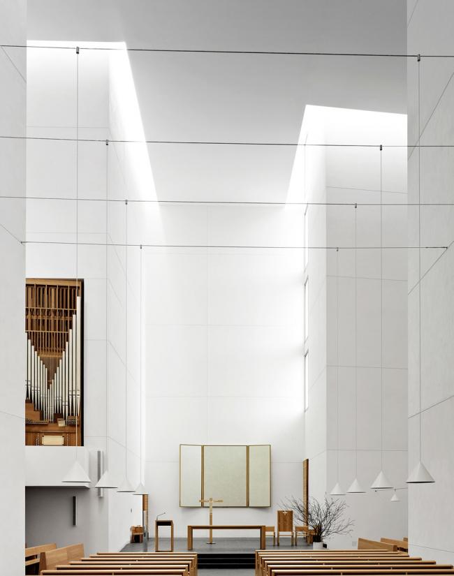 Категория «Интерьер». Автор: Fabrice Fouillet. Церковь Иисуса (Сан-Себастьян, Испания). Архитектор: Рафаэль Монео