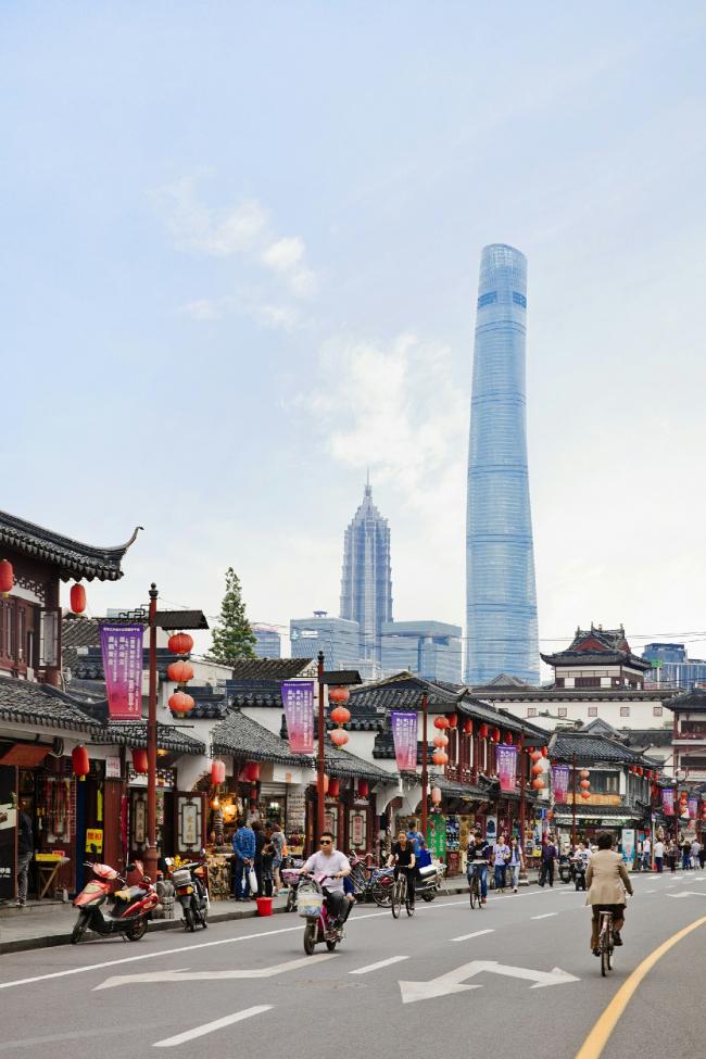 Shanghai Tower © Connie Zhou