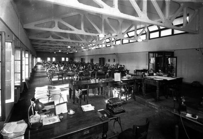 Комплекс Фондако деи Тедески – реконструкция. Бетонные фермы почтамта. 1940 © OMA