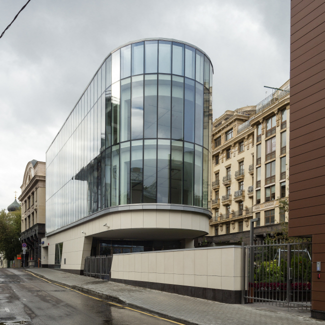 Жилой комплекс и офис на Пречистенской набережной. Реализация, 2015 © АБ Остоженка