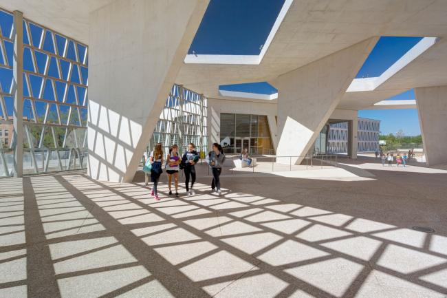 Немецкая школа в Мадриде.  Grüntuch Ernst Architekten. Изображение предоставлено WAF