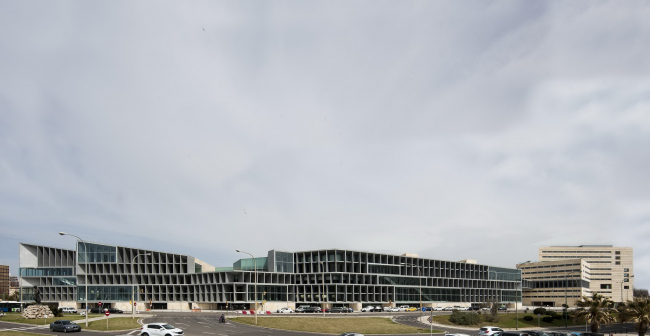 Конгресс-центр и отель в Пальма-де-Майорка © Juan Rodriguez
