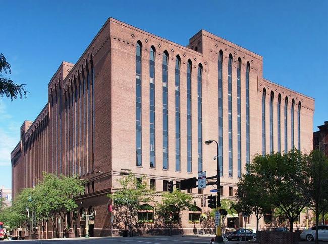 Историческое здание на деревянном каркасе Butler Square Building. 1906. Фото: McGhiever via Wikimedia Commons. Лицензия Creative Commons Attribution-Share Alike 4.0 International