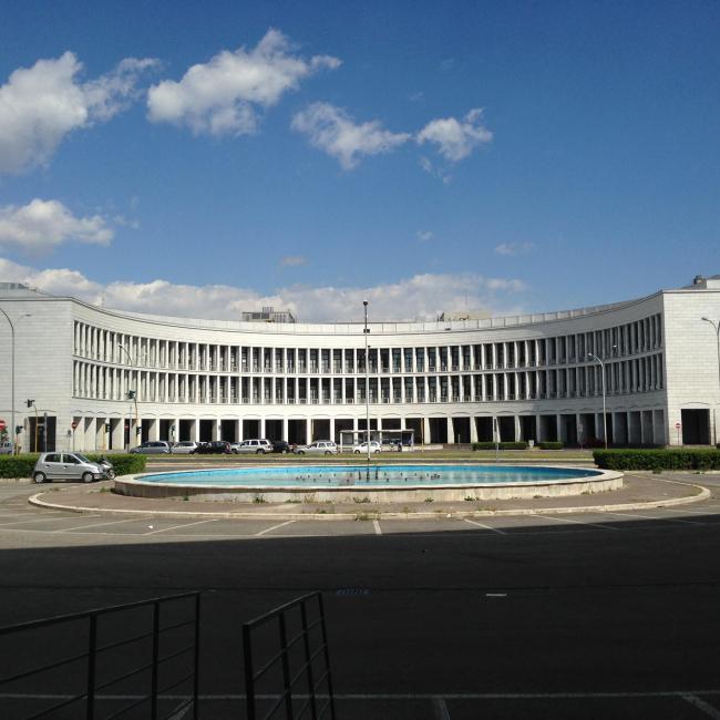 Палаццо INA в районе EUR © Анна Броновицкая