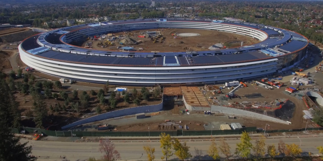 Штаб-квартира компании Apple. Проект Foster + Partners. © Foster + Partners