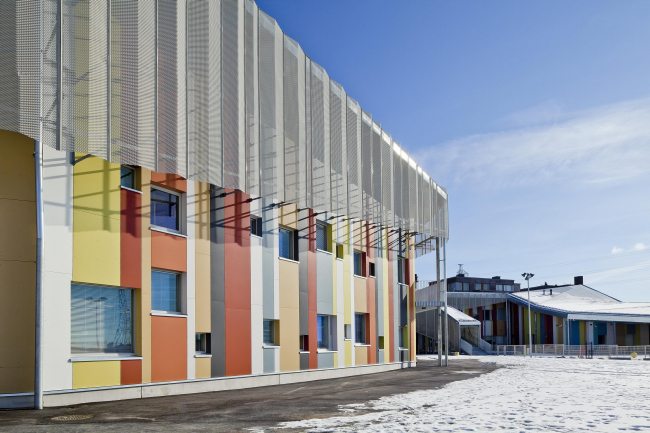 Образовательный центр в районе Каласатама © Studio Hans Koistinen
