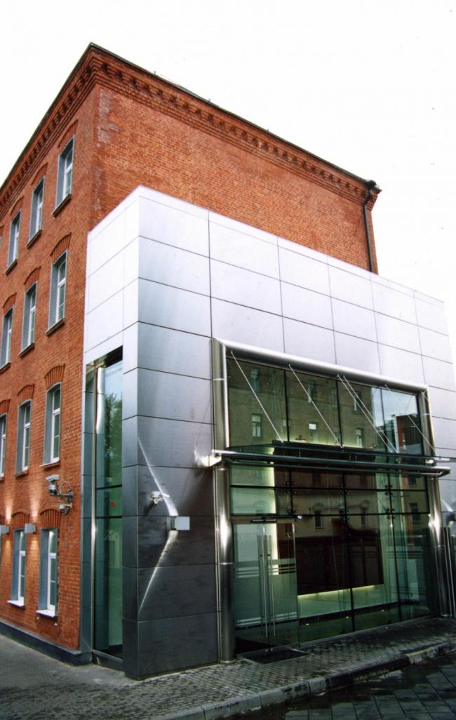 Реконструкци здания РБO на ул. Тимура Фрунзе. Реализация, 2005 © Архстройдизайн