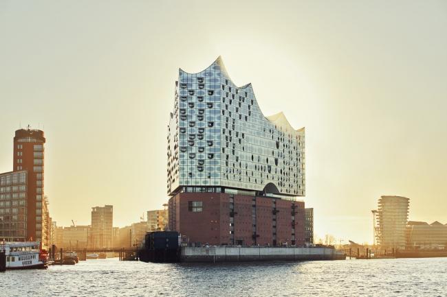 Здание Гамбургской филармонии Elbphilarmonie (Германия).  Herzog & de Meuron. Фото © Maxim Schulz