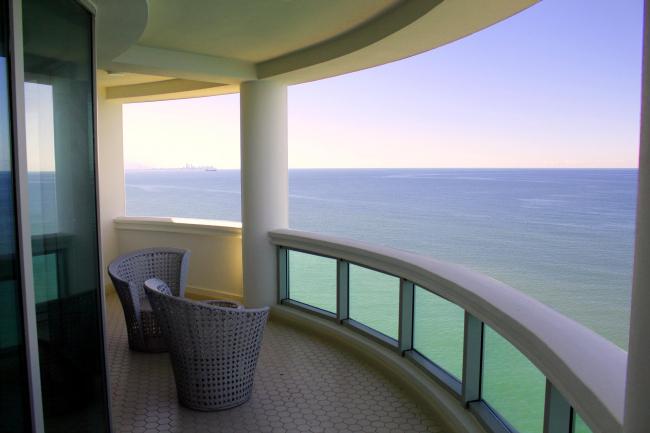 Castello Mare Hotel & Wellness Resort, балкон в номере люкс в корпусе «Виктория», постройка, 2016 © Лев Нодельман
