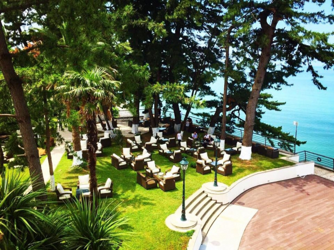 Castello Mare Hotel & Wellness Resort, благоустройство верхнего сада, постройка, 2016 © Karapi LTD