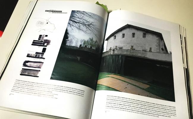Vila de Trincheria, долина Бианья в окрестностях Олота, Жирона, Испания / Из журнала El Croquis / фотография ДНК аг