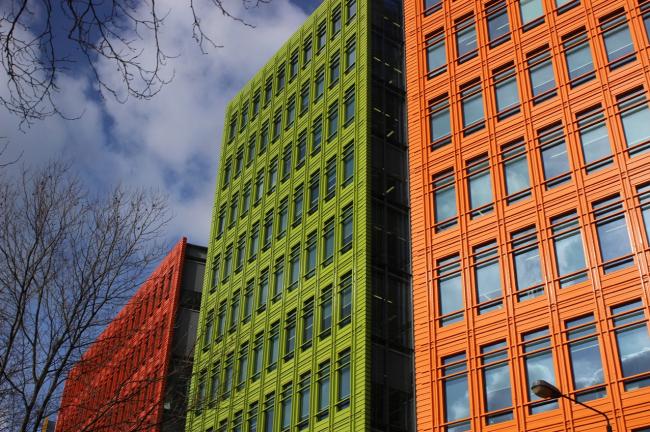 Первая постройка Ренцо Пьяно в Лондоне – многофункциональный комплекс  Central Saint Giles. Фото Марины Игнатушко