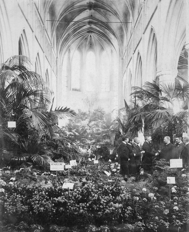 Выставка цветов в стенах доминиканской церкви в 1899. Предоставлено Merkx+Girod