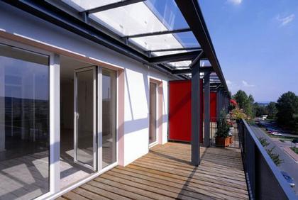 открытые террасы вместо прежних балконов