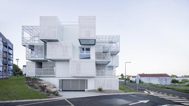 Комплекс социального жилья White Clouds. Фото © Javier Callejas