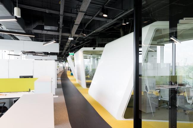Офис компании Adidas Group. Переговорные, символизирующие трилистник компании © Архитектурное бюро ABD architects