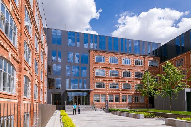 Культурно-деловой комплекс Большевик © Архитектурное бюро John McAslan+Partners