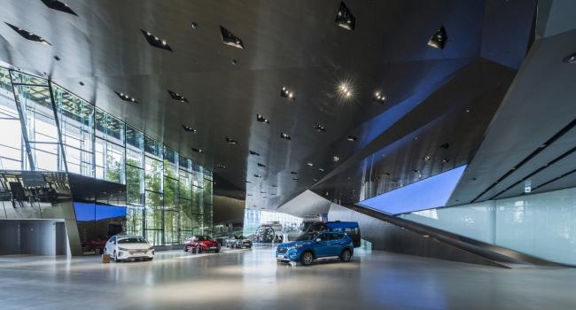 Шоу-рум Hyundai MotorStudio в Кояне © Katsuhisa Kida
