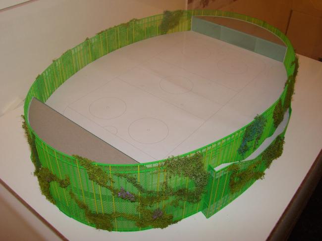 Не очень ясно, что можно изменить в сути школьного спортзала, если он уже есть, разве что окружить его красивыми (например зеленой перголой, как у архитекторов Асс) стенами. Эта выставка продлится до 8 июля, когда будут объявлены результаты конкурса.