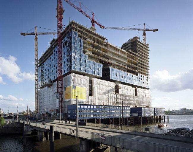 Концертный зал Elbphilarmonie в процессе строительства. Фото © Oliver Heissner