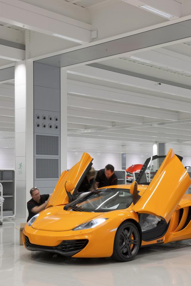Производственный центр McLaren. Фото © Nigel Young - Foster + Partners