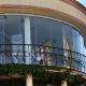 Раздвижная панельная система из закаленного стекла для кондитерской «Леди Мармелад» в Новороссийске