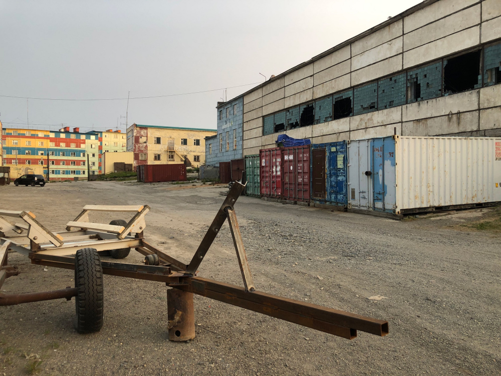 The former garage and the future youth culture center ANGAR in Anadyr. The current state<br>Copyright: Photograph © Maria Sedletskaya