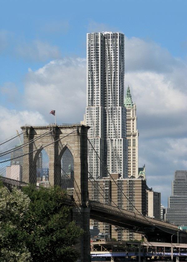 Жилой небоскреб New York by Gehry (ранее был известен как Beekman Tower). Архитектор Фрэнк Гери<br>Фото © Gehry Partners