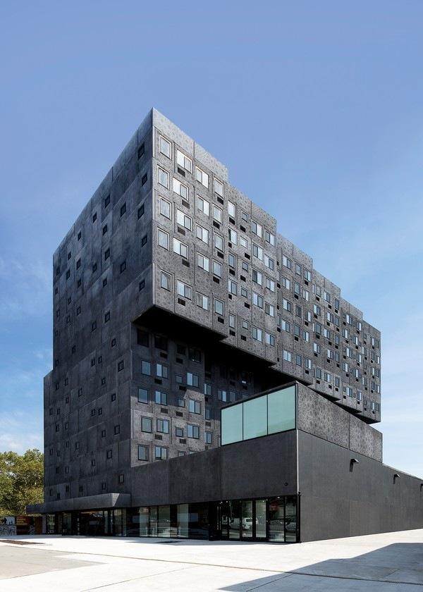 Социальный жилой комплекс в районе Шугар-Хилл. Архитектор Дэвид Аджайе<br>Фото © Ed Reeve