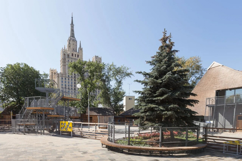 The children′s zone of the Moscow Zoo<br>Copyright: © WOWHAUS